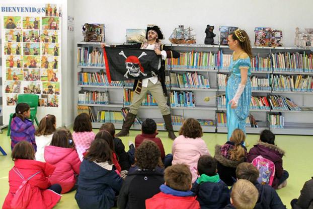 biblioteca-cuentos-montequinto-sevillaconlospeques