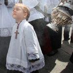 Imagen monaguillo en Semana santa de Sevilla   Sevilla con los peques