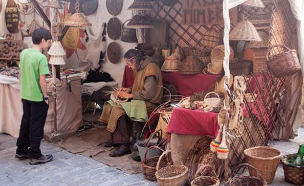 prado-medieval-mercadillo-sevillaconlospeques