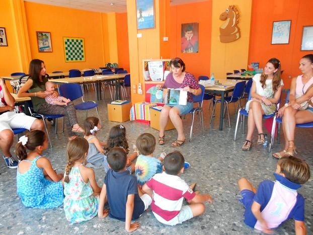 cuentosingles-biblioteca-doshermanas-sevillaconlospeques