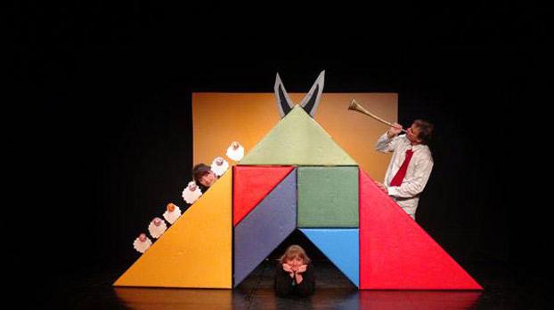 Magia y teatro planes para el primer fin de semana 2015 for Teatro en sevilla este fin de semana