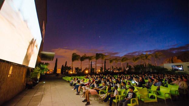 cine-de-verano-sevilla-centro-comercial-zona-este-sevillaconlospeques