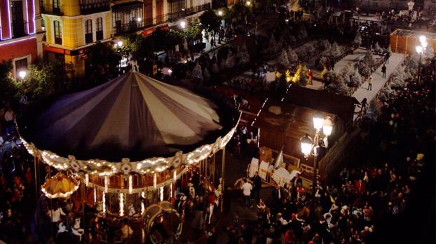 Navidad en plaza San Francisco de sevilla con carrusel y pista de patinaje |Sevilla con los peques