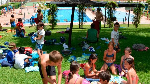 Piscina municipal de Tomares | Sevilla con los peques