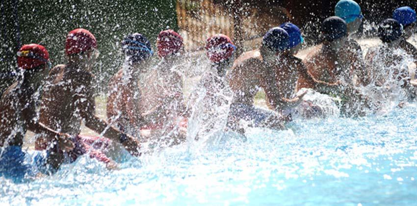 Oferta de piscinas p blicas en sevilla for Ofertas de piscinas