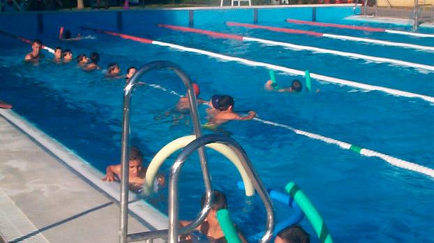 niños-utrera-piscinas-sevillaconlospeques
