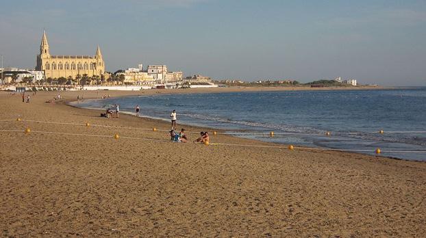Playa de Regla en Chipiona para ir con niños | Sevilla con los peques