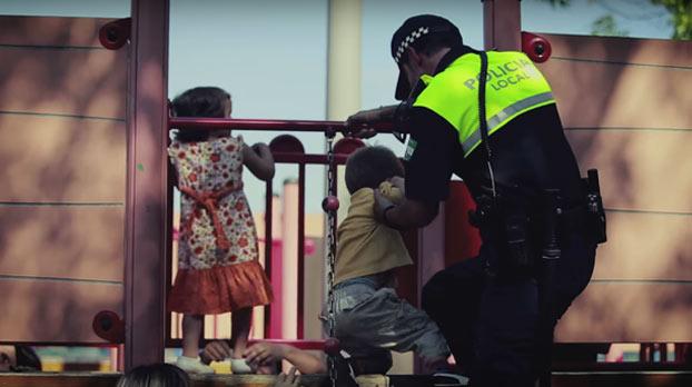 policia-00-sevillaconlospeques
