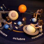 Planetas y estrellas en CaixaForum Sevilla | Sevilla con los peques
