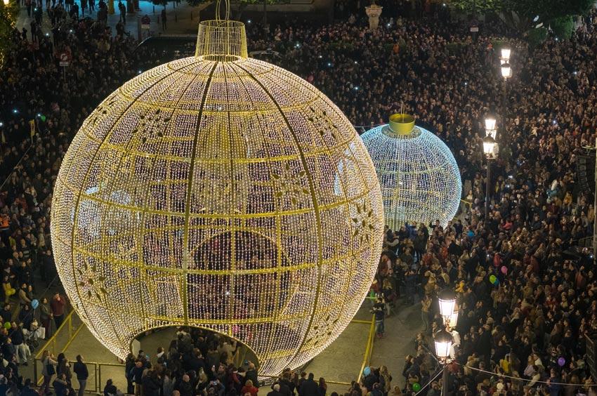 Iluminación de Navidad en Plaza San Francisco de Sevilla 01 | Sevilla con los peques