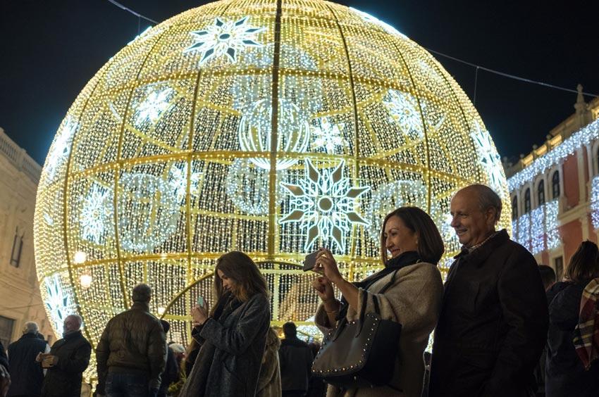Iluminación de Navidad en Plaza San Francisco de Sevilla 02 | Sevilla con los peques