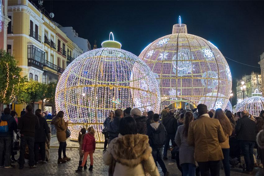 Iluminación de Navidad en Plaza San Francisco de Sevilla 05 | Sevilla con los peques