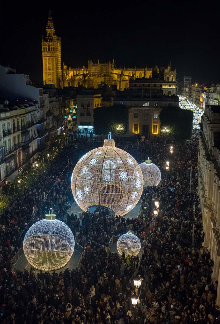 Iluminación de Navidad en Plaza San Francisco de Sevilla 06 | Sevilla con los peques