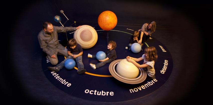 Navidad en CaixaForum con el Taller planetas y estrellas