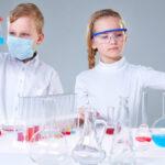 Taller de experimentos en Casa de la Ciencia |Sevilla con los peques