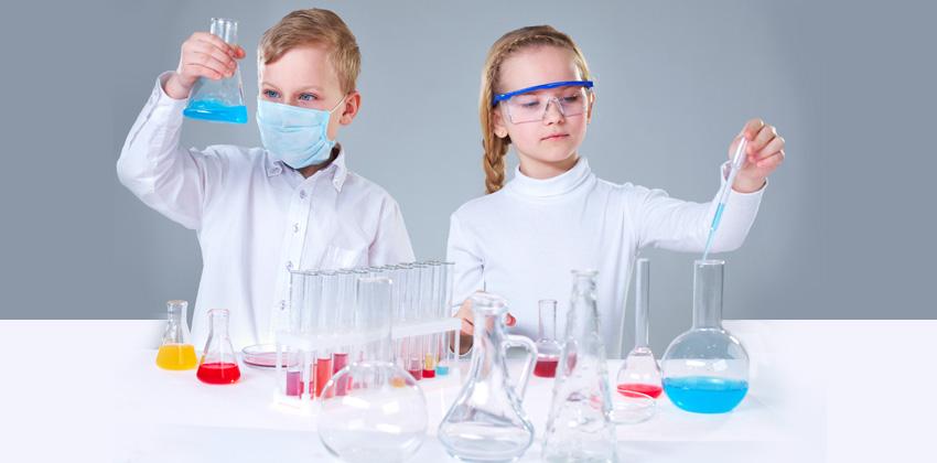 Taller de experimentos en Casa de la Ciencia  Sevilla con los peques
