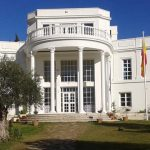 Edificio principal del Colegio Internacional Europa | Sevilla con los peques