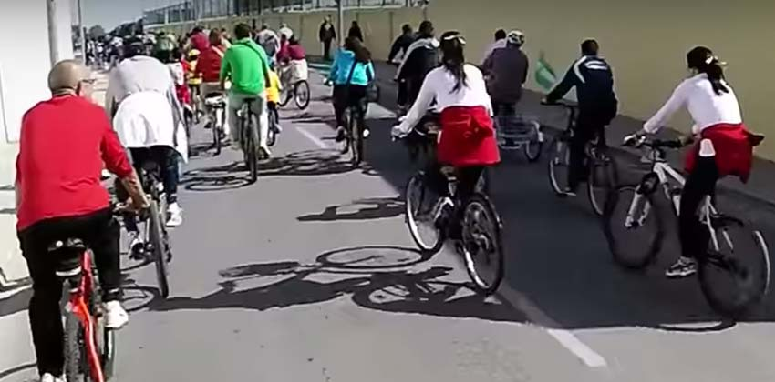 Paseo en bicicleta en Utrera para celebrar el día de Andalucía | Sevilla con los peques