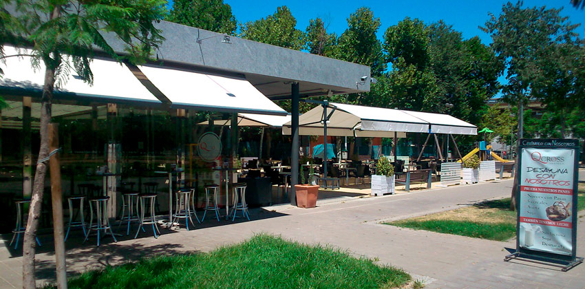 Qcross es una Terraza Bar donde comer con niños en Sevilla | Sevilla con los peques
