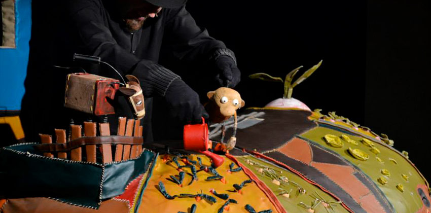 El Nabo gigante en la Feria Internacional del Títere de Sevilla  Sevilla con los peques