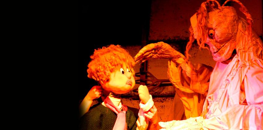 Monstruos en el Festival de Marionetas de Utrera   Sevilla con los peques