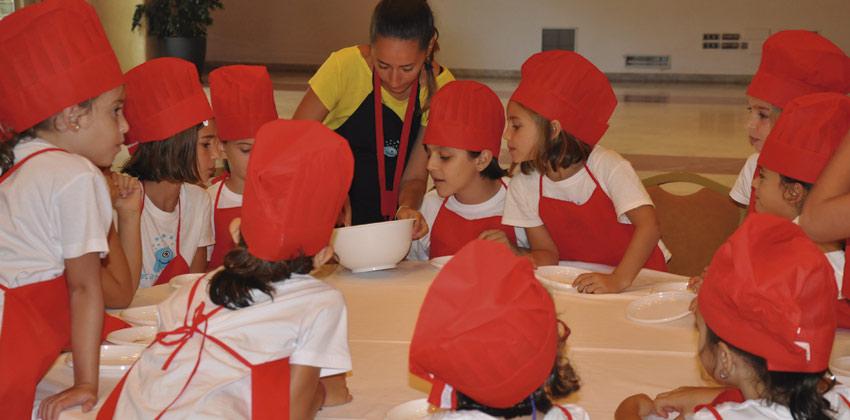 Campus de verano Activamentes aprendiendo a cocinar | Sevilla con los peques