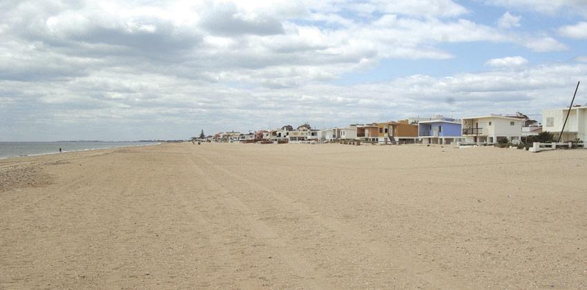 Huelva Beaches: Las Antillas Beach   Sevilla con los peques