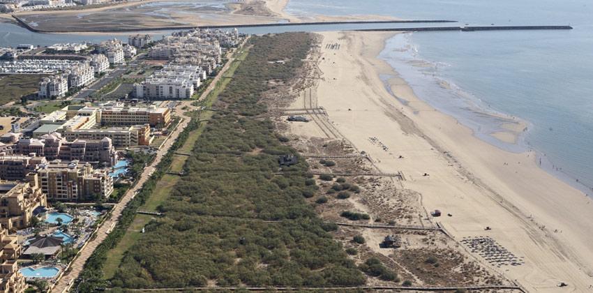 Huelva Beaches: Punta del Moral Beach   Sevilla con los peques